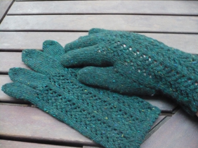 dark green lace gloves
